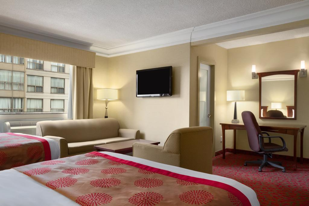 Hotels In Downtown Toronto Near Air Canada Centre