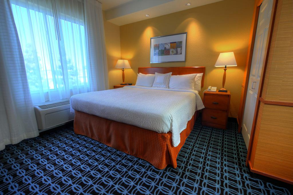 Fairfield Inn and Suites Sacramento Airport